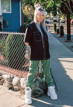 Pin by tomago on clothes i like in 2019 billie eilish, buffalo boots, style. Looks Hip Hop, Buffalo Boots, Looks Street Style, Outfit Jeans, Models, Look Cool, Look Fashion, Cover Art, My Girl