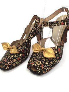 8332b2a7493 Rare 1930s shoes hand painted silk Art Deco vintage antique