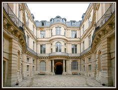 Hôtel de Beauvais [1655-60]- Paris IV // Architecte: Antoine Le Pautre [1621-79] (photo : Laurent D. Ruamps)