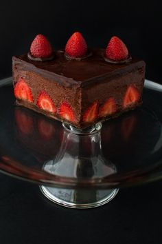 Chocolate Strawberry Mousse Cake | tamingofthespoon.com