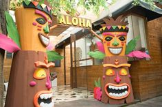 Luau / Hawaiian Birthday Party Ideas | Photo 23 of 26 | Catch My Party