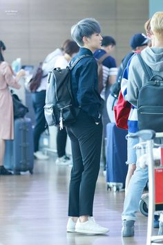 (8) Twitter HOSHI YOU LOOK HOT IN THOSE PANTS!!!