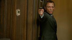 'Skyfall': New Photos of Daniel Craig as James Bond, Javier Bardem as Villain Raoul Silva