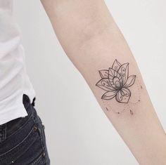 48 Super Ideas For Tattoo Compass Color Lotus Flowers Tatoo Art, P Tattoo, Lotus Tattoo, Piercing Tattoo, Piercings, Henna Tattoo Designs Simple, Delicate Tattoo, Floral Tattoo Design, Life Tattoos