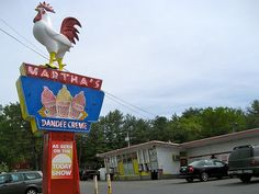 Martha's Dandee Creme Queensbury, NY – Ice Cream and Roadside Rooster! Lake George Ny, Lake George Village, Summer Vacation Spots, Vacation Ideas, Glens Falls, Fun Winter Activities, Roadside Attractions, Roadside Signs, Old Quilts