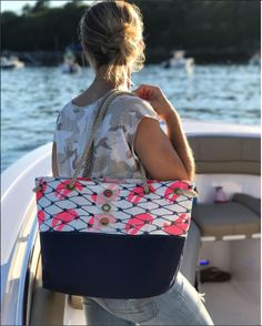 Pictured: Pink Lobster Claw/Navy Tote