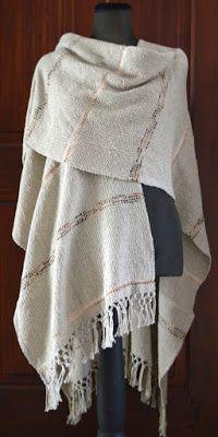 ruana de hilo, algodón con seda y cintas.