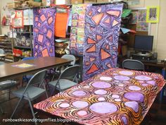 Rainbow Skies & Dragonflies- love these large scale mural 'ripple' paintings Group Art Projects, Collaborative Art Projects, School Art Projects, 7th Grade Art, Third Grade, Elementary Art Lesson Plans, Art Lessons For Kids, Middle School Art, Art Classroom