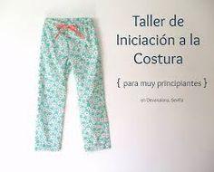 Resultado de imagen para pantalon de pijama moldes Pajama Pants, Sweatpants, Fashion, Gifs, Sewing Lessons, Sewing Studio, Feminine Style, Feminine, Moda