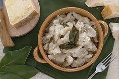 """Ricette Tipiche: gli Gnocchi di Malga o Gnocchi """"Sbatui"""" #Food @GardaConcierge"""
