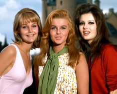 """With Carol Lynley and Ann-Margret in """"The Pleasure Seekers"""" Pamela Tiffin, Ann Margret Photos, Carol Lynley, Pleasure Seeker, Old Hollywood, Classic Hollywood, Hot Country Girls, Black And White Love, Celebs"""