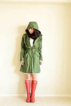 雨でも平気!レインブーツとレインコート☆フェスコーデ☆スタイル・ファッションのまとめ♪
