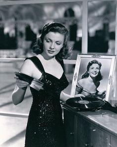 Joan Leslie, 1953