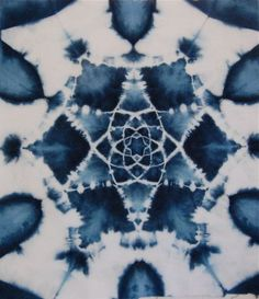 a-i-w: Shibori tie dye mandala Shibori Fabric, Shibori Tie Dye, Dyeing Fabric, How To Tie Dye, How To Dye Fabric, Textile Dyeing, Textile Art, Tie Dye Crafts, Tie Dye Techniques