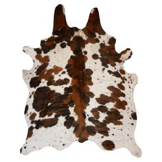 Shop Decohides for premium Cowhide Rugs. Real Cowhide Rug Brindle and White. Choose your unique cowhide rug from our wide selection. This exceptional Cowhide rug is selected from the best tanneries and made from the finest premium class of hide. Cow Hide Rug, Cow Rug, Natural Rug, Vintage Country, Ranch Style, Online Home Decor Stores, Rustic Chic, Cowhide Leather, Colorful Rugs