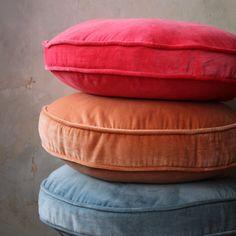 Round velvet cushions - Kip & co Velvet Cushions, Floor Cushions, Cotton Velvet, Pink Velvet, Hygge, Cushion Inserts, Sofa Pillows, Throw Pillows, Bedroom Colors
