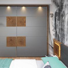 Vestavěné skříně do zdi patří mezi oblíbené způsoby úložného prostoru. Šetří místo a a snížíte plochu pro nepříjemný prach. Skříň Livo máte na výběr v šedé a bílé barvě.  Divider, Live, Room, Furniture, Design, Home Decor, Bedroom, Decoration Home, Room Decor