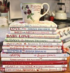 I love her watercolor painting style, and I have several of her books .the latest is about a long visit to England, great photos, too. Hygge, I Love Books, Books To Read, Susan Branch Blog, A Fine Romance, Branch Art, Life Online, Book Nooks, So Little Time