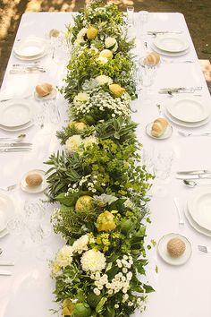 Floral Design by Laboratorio Floreale Aiello - Fresh Lemon Wedding Ideas by In Love in Italy (Concept, styling + photography) - via magnoliarouge
