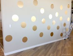 How to DIY a Gold Polka Dot Wall #decor