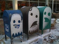 Street Art - art de rue in Natures Paul Keirn Pac Man, Cool Mailboxes, Painted Mailboxes, Street Art, Street Signs, Street View, Street Style, Snow Art, Winter Photography