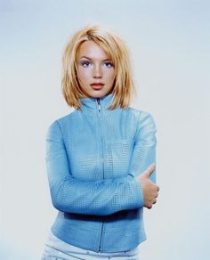 Britney Spears - Teen People photo shoot.  Photo by Jill Greenberg.