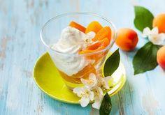 Незамысловатый английский десерт подарит Вам ощущение лета даже в промозглый осенний день. Абрикосовый фул рецепт. Десерт из абрикосов и йогурта