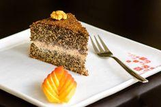 Kterýkoliv z našich dortů si můžete dopřát, i když právě držíte dietu! Vyzkoušejte makový, skořicovo-karamelový nebo jablečný dort.