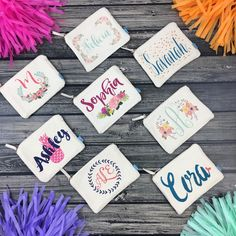 Looking for last minute Christmas gifts for your bridal party?! Why not gift your girls our adorable personalized makeup bags? Tons of designs to choose from + there's still plenty of time to order! 🌲 🎁