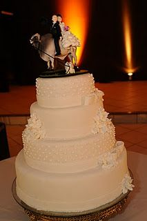 A Brahman on a wedding cake topper! Why didn't I think of this first!