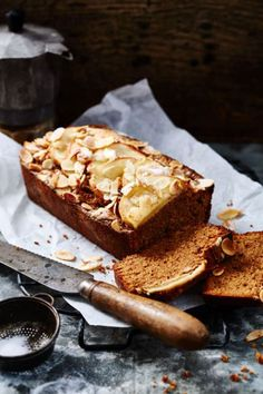 Almond and Apple Cak