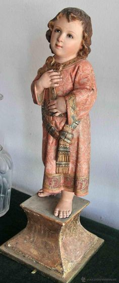 Santo Niño Jesus.  Baby Jesus  con la cruz. Talla policromada del XIX