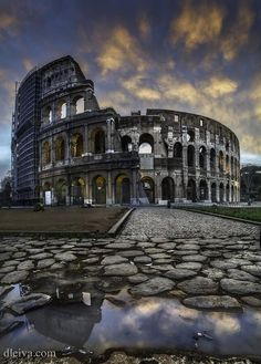 Colosseo (Rome, Italy) One of my biggest dreams is to go here! The Beautiful Country, Beautiful Places In The World, Places Around The World, Oh The Places You'll Go, Wonderful Places, Places To Visit, Around The Worlds, Le Vatican, Rome Travel