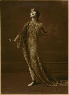 Ruth St. Denis, c.1917