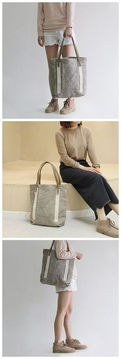 Handmade Canvas Tote Bag Women's Casual Shoulder Bag Handbag for Women 14890 --------------------------------- - Waxed canvas - Black and White Stripe Cotton lining - Inside one zipper pocket, one pho