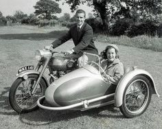 Beautiful Thunderbird and Swallow sidecar || vintage motorcycle photo