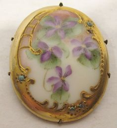 Limoges Brooch with Violets Victorian Jewelry, Victorian Era, Antique Jewelry, Vintage Jewelry, Victorian Gold, Sweet Violets, Decoupage, China Painting, All Things Purple
