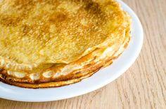la diferencia fundamental entre crepes y tortitas está en que en su elaboración las tortitas americanas (pancakes) llevan levadura, son más gruesas y más esponjosas.