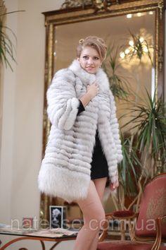I just love fur: Photo Fox Fur Coat, Fur Coats, Fur Clothing, Fur Accessories, Detachable Collar, White Fur, Fur Fashion, Fur Jacket, Sexy Women