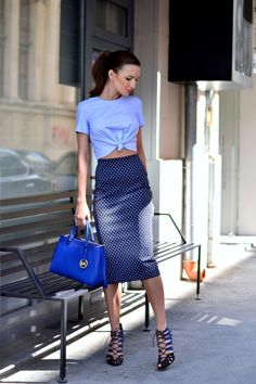 Feel like you're in a rut when it comes to getting dressed up for a big date? Time to think beyond your usual slinky top and skinny jeans combo. Here, some ideas stolen from Alina Filipescu and her breathtaking styles from her Blog My silk fairytale that will inspire you to step up your going-out st
