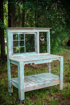 Nice potting bench for the backyard! Nice potting bench for the backyard! Potting Bench With Sink, Outdoor Potting Bench, Potting Bench Plans, Potting Tables, Potting Sheds, Rustic Potting Benches, Garden Crafts, Garden Projects, Wood Projects