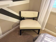The right accent chair for the bedroom with a corner to spare