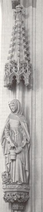 Martha van Bethanie..  1911. Beeldhouwwerk door H. van der Geld. Nederland, Den Bosch, St-Janskathedraal.