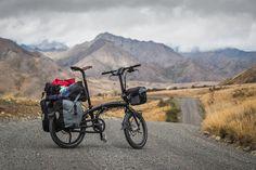 Vélo de cyclotourisme pliable.