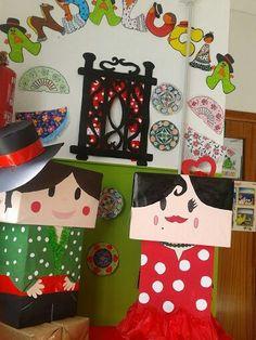 Feria de Abril, usaremos cartón y las forraremos para hacer a los dos niños y luego los pintaremos con temperas. Projects For Kids, Crafts For Kids, Flamenco Party, Outfits For Spain, Hispanic Culture, Hispanic Heritage Month, Spain Holidays, Ideas Para Fiestas, Andalusia