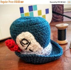 ON SALE Mad hatter Alice in wonderland pin cushion, crochet pin cushion by Warrendertreasures on Etsy