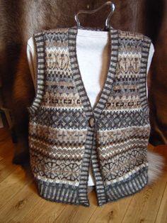 Shetland Handspun: Fair Isle Allovers Fair Isle Knitting Patterns, Fair Isle Pattern, Vintage Knitting, Hand Knitting, Knit Vest Pattern, Knit Crochet, Crochet Granny, Hippy, Fair Isles