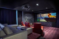 Home theaters seating Top 70 Best Home Theater Seating Ideas - Movie Room Designs Living Room Home Theater, Best Home Theater, At Home Movie Theater, Home Theater Speakers, Home Theater Design, Home Theater Seating, Basement Bar Designs, Home Bar Designs, Basement Ideas