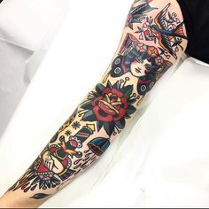 #tattoo by @daniqueipo ............#traditional #traditionaltattoo #traditionalartist #oldtattoo #oldschooltattoo #tattooartist #tattooart #tattoos #ink #inked #classictattoo | Artist: @traditionalartist