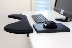Ergonomic keyboard and mouse wrist support arm rest combination Desktop Accessories, Ergonomic Mouse, Floor Chair, Office Desk, Keyboard, Rest, Laptop, Furniture, Home Decor